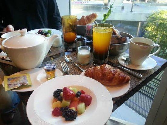 Mandarin Oriental, Las Vegas: Continental Breakfast at MoZen