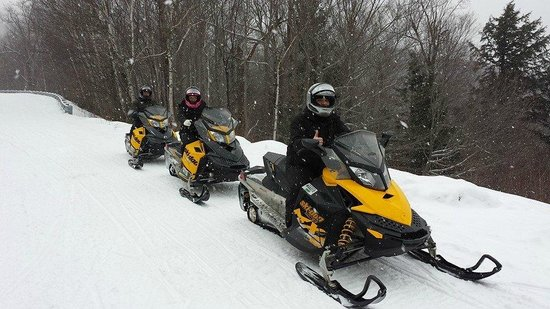 Northern Extremes Snowmobiling - Tours: overlook