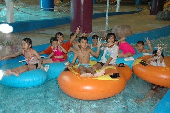 Howard Beach Resort Kenting: 水世界室內水上樂園
