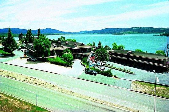 Lake Jindabyne Hotel: Lakefront