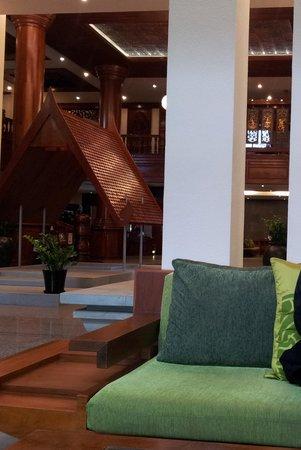 Borei Angkor Resort & Spa: 로비