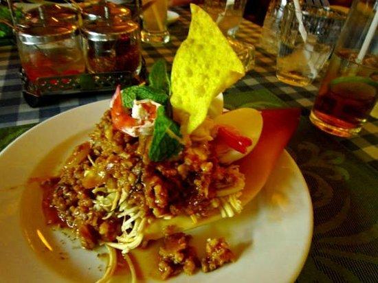 The Orchid Garden: Thai minced chicken on banana flower