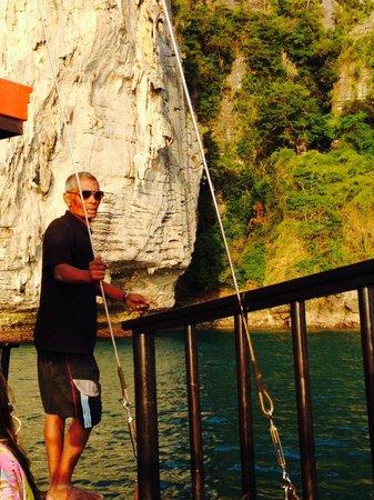 Krabi Sunset Cruises : The amazing Thai Captain