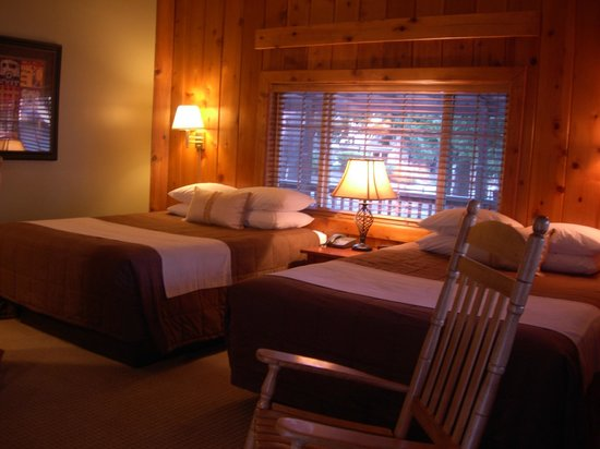 Timberline Lodge: Multiple Bed Rooms