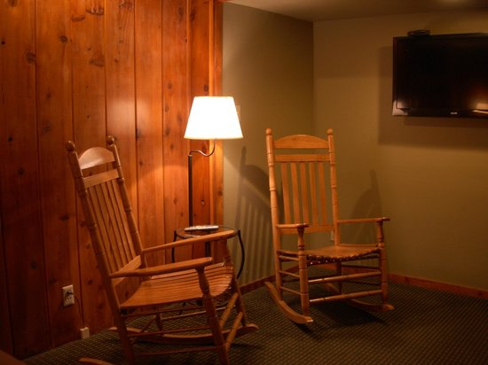 Timberline Lodge: Relax with Large TV's
