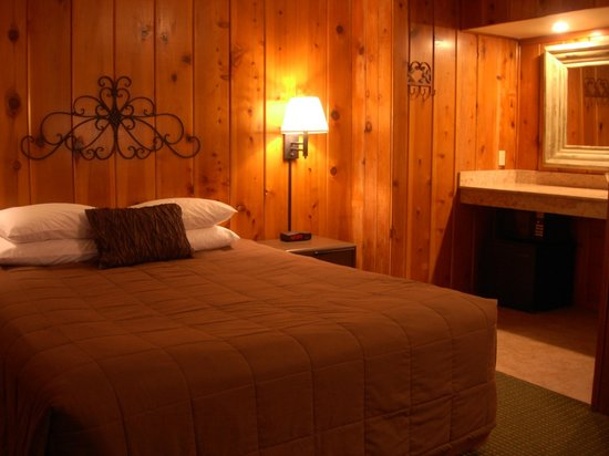 Timberline Lodge: Rustic Charm Meets Modern