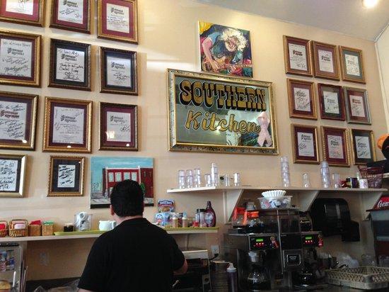 Southern Kitchen: Southern Cafe