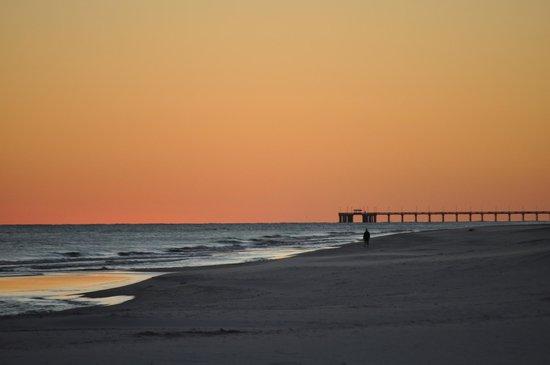 Hilton Garden Inn Orange Beach : the beach at sunset