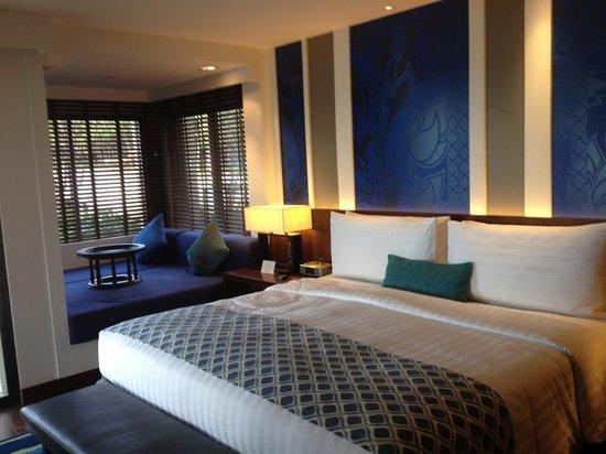 Outrigger Laguna Phuket Beach Resort: Bedroom beachfront suite