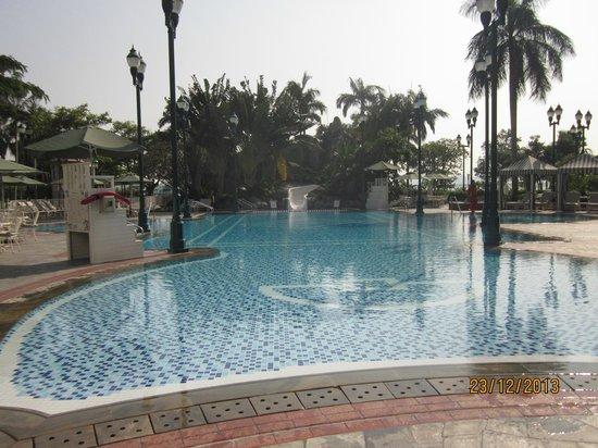 Hong Kong Disneyland Hotel : Pool
