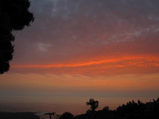 Ka'awa Loa Plantation: Sunset on the Ka'awa Loa terrace