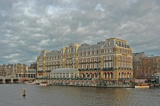 InterContinental Amstel Amsterdam: The Amstel from the canal