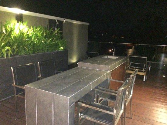 Avista Hideaway Resort & Spa : Upstairs eating area