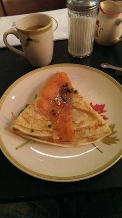 Au Bon Lieu: salmon crepe with mini olives