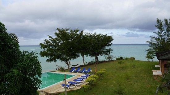 Rhodes Beach Resort Negril: Balcony view from Sunshine (Palm)