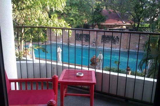 Patong Beach Hotel: View of the second pool from the room