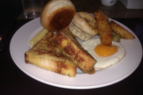 Patong Beach Hotel: Breakfast day 1 - Look at the variety (french toast, fried egg, cheese, fish, tuna muffins & bre