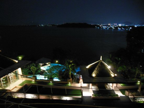The Westin Siray Bay Resort & Spa Phuket: Night view from our room