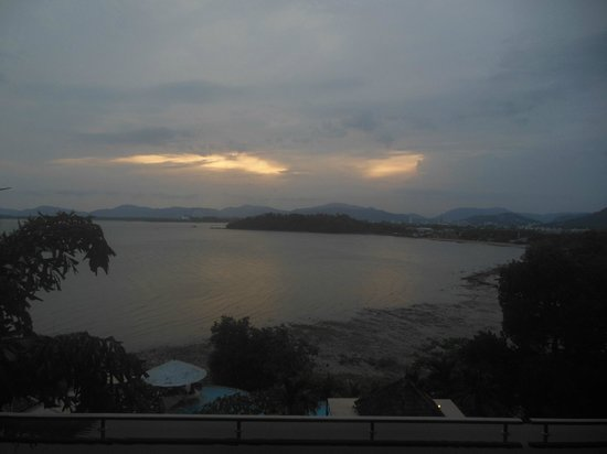 The Westin Siray Bay Resort & Spa Phuket : Sunset view from our room