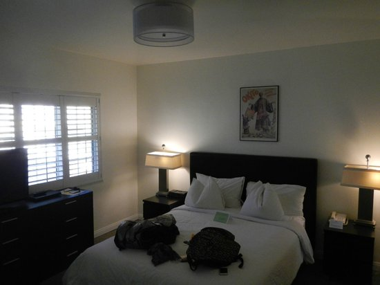 Magic Castle Hotel : Room