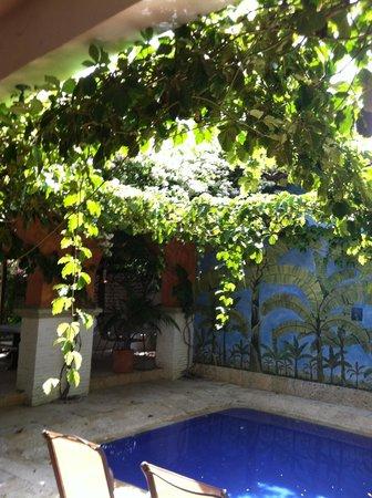 Hotel Mariscal Robledo: Kids pool area.