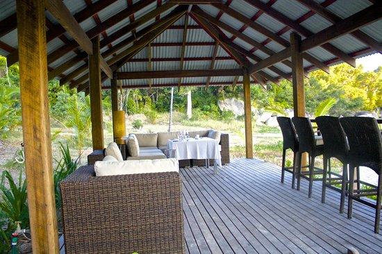 Bedarra Island Resort : Dinner by the beach
