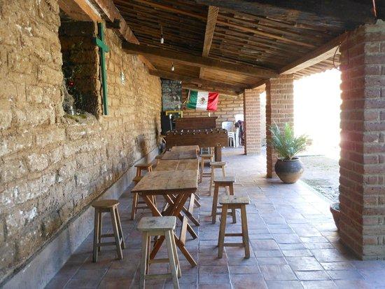 Puerta Vieja Hostel : agradable lugar para desayunar o tomar unos tragos