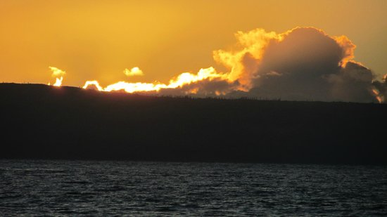 Sands of Kahana: Lanai fiery sunset from beach