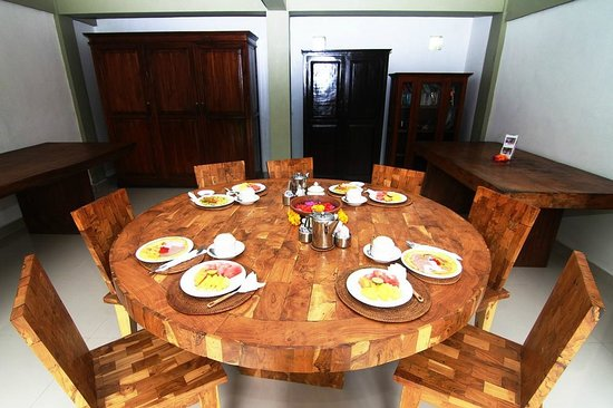Tirta Arum Guest House: Breakfast at Kutuh Tirta Arum