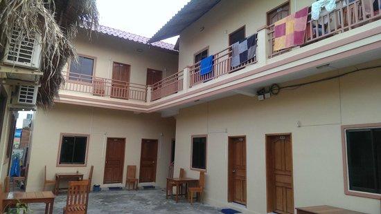 Ochheuteal Guesthouse: Уютный и тихий дворик