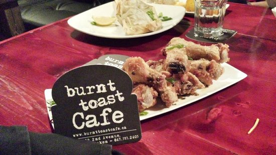 Burnt Toast Cafe: Chicken Wings