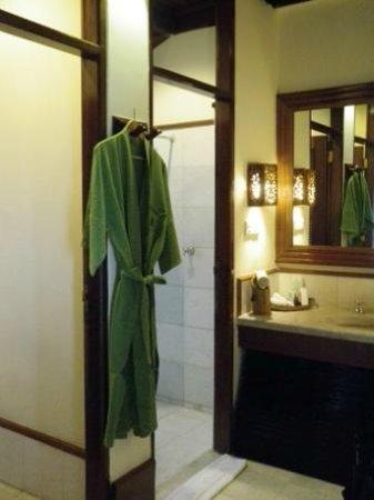 Popa Mountain Resort : bathroom