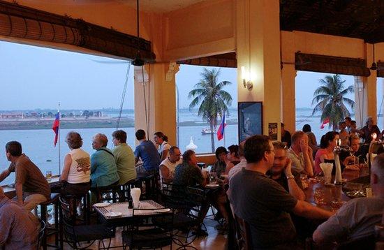 FCC Phnom Penh: Restaurant