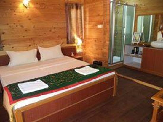 Estrela Do Mar Beach Resort: Inside Swiss Cottage Garden View room
