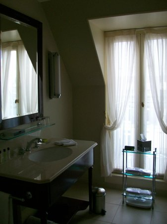InterContinental Paris Le Grand: lovely bathroom