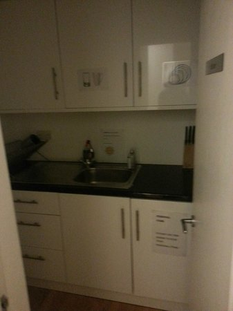 Central London Serviced Aparthotel: Kitchen