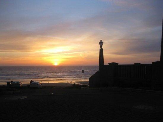 Port of Newport RV Park: Newport lighthouse