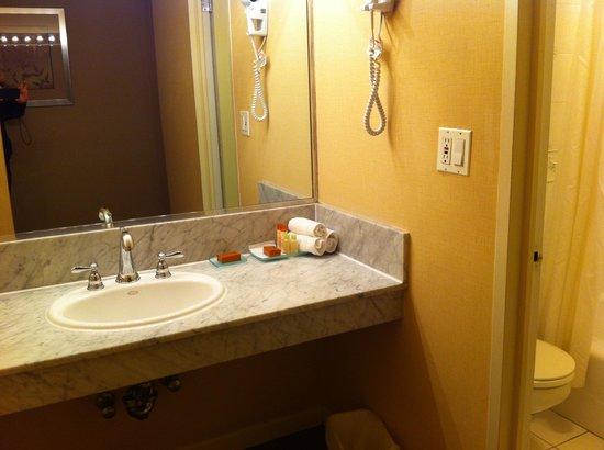 Skyline Hotel: 歯ブラシはありませんが、フロントに言えば出してくれます。
