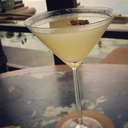 Sundara: Lychee martini