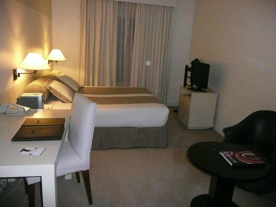 Loi Suites Recoleta Hotel: room