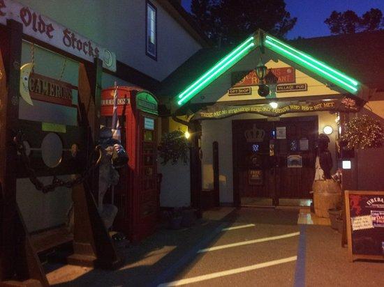Cameron's Restaurant & Inn: Entrance
