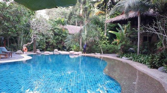 Somkiet Buri Resort: swimming pool