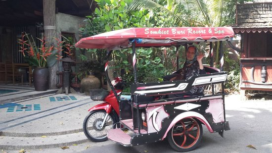 Somkiet Buri Resort: hotel shuttle