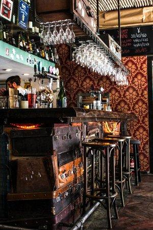 Le Cafe Des Stagiaires