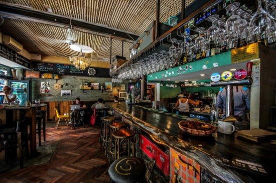 Le Cafe Des Stagiaires : CS1