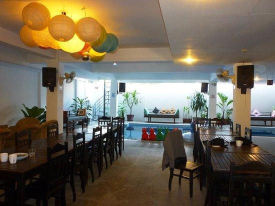 The Siem Reap Hostel : dining room