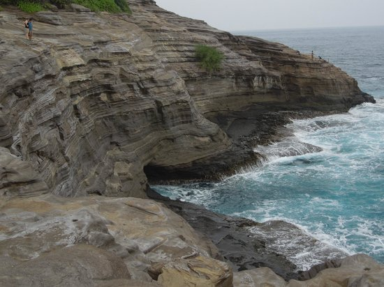 Spitting Cave of Portlock : WOW...