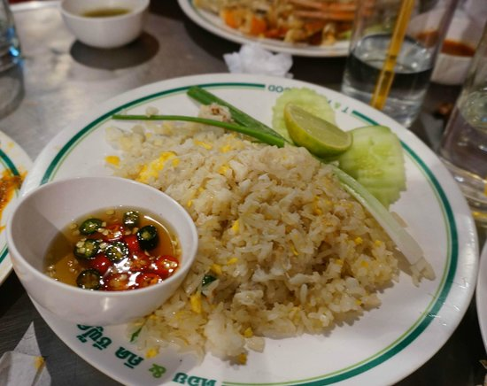Grilled Prawns and Tom Yum Goong - Picture of T & K Seafood, Bangkok ...