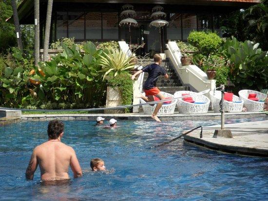Sanur Paradise Plaza Suites : Great Pool