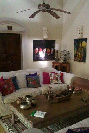 Turiya Villa and Spa: Living room